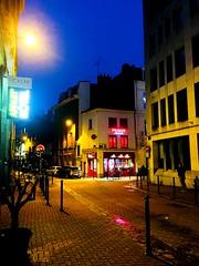 Il est 8h Lille se réveille.. (fourmi_7) Tags: café pavés travail trajet tôt matin nord hautsdefrance gare rue lille