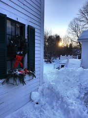 January Sunset (Stans Gallery) Tags: wreath trees january sunlight sun sunset snow winter