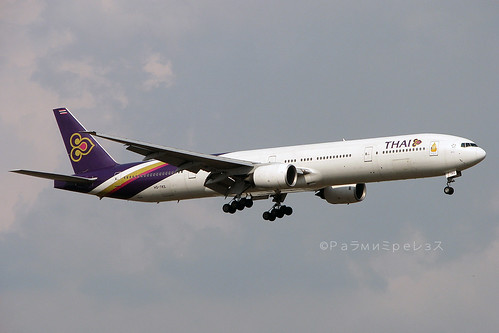 Thai Airways Boeing 777-300 BKK