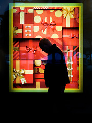 presence (dizbin) Tags: art advert color candid city colour dizbin england em10 hampshire hants juxtoposition uk light minimal mzuiko olympus omd om omd10 photo photograph photography people portrait prime fareham box reflection street streetphotography silhouette shop window town urban christmas present wall walk 45mm xmas