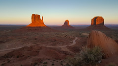 Monument Valley sunset (gorbould) Tags: 2017 mittens monumentvalley navajotribalpark s6 usa utah america arizona butte buttes dusk evening phonepic samsung southwest sunset oljatomonumentvalley unitedstates us