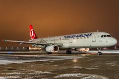 Turkish Airlines TC-JRF HAJ at Night (U. Heinze) Tags: aircraft airlines airways planespotting plane flugzeug haj eddv hannoverlangenhagenairporthaj flugzeuge nikon night