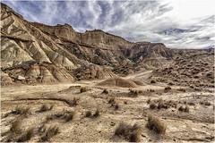Las Bardenas Reales (Fernando Forniés Gracia) Tags: españa aragón navarra lasbardenasreales contraluz cielo nubes naturaleza airelibre paisaje landscape desierto