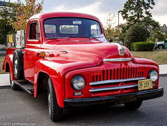 Red Pick Up (Jim Frazier) Tags: q4 2017 20170926stcharlescruisenight antique automobiles autumn car carshow cars classic classiccars cruisenight equipment fall il illinois international jimfraziercom kane machinery machines september show stcharles street summer transportation urban vehicles vintage red pickup shiny jfpblog instagram f10