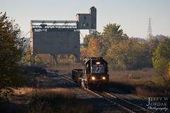 Ghost of the Pennsy (jwjordak) Tags: coalingtower gp50 highhood fallcolor 7011 ns norfolksouthern train girard ohio unitedstates us