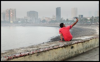 CHAL  BETA  SELFIE  LE LE RE ..... Evening @ Haji Ali Causeway