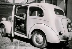 Renkum Dorpsstraat 1e auto Anglia Bart Delsink ca 1951 Collectie Ton Delsink (Historisch Genootschap Redichem) Tags: renkum dorpsstraat 1e auto bart delsink ca 1951 collectie ton anglia