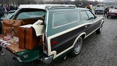 Ford Gran Torino Squire  03 (benoit.patelout) Tags: traversée paris 2018 hiver vincenne anciennes ford gran torino squire