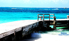 IMG_0576B Dock (Cyberlens 40D) Tags: mexico cancun travel vacations resorts seascapes sky turquoisewater ocean beach tide waves