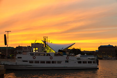 Stockholm 2010 (karlheinz klingbeil) Tags: schiff dämmerung sverige boot schweden wasser city water sweden stadt dusk