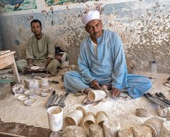 Artesanos (Porschista) Tags: valledelasreinas egipte artesano alabastro