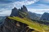 Prados alpinos. Dolomitas, Italia. (LANTADA Fotografia) Tags: verde italia dolomitas panoramica paisaje vacaciones montaña