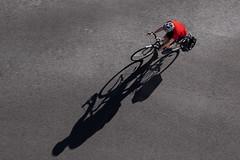 Sombras / shadow. (Jose_Pérez) Tags: red rojo bike silueta street picado streetphoto urban londres london silhouette sombra