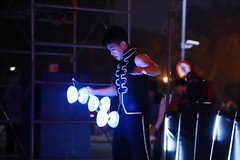 IMG_0681M Diabolo. ディアボロ. 夜光扯鈴. (陳炯垣) Tags: performance street juggling diabolo