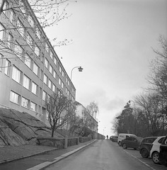 Landala (rotabaga) Tags: sverige sweden svartvitt göteborg gothenburg landala lubitel166 lomo lomography blackandwhite bw bwfp diy tmax400
