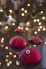Boule rouge0255 (dazane1 (de retour)) Tags: noël boules sapin bleu rouge reflets brisé christmas ornaments red blue