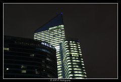 2018.01.02 La Défense by night 55 (garyroustan) Tags: paris france french iledefrance ile island building architecture ville ciudad city nuit night light color noche noel christmas navidad fetes fete feliz joyeux defense