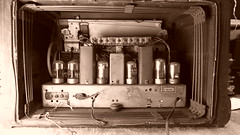 Philco 42-350 in sepia (Ken, KE1RI) Tags: philco sepia 42350 tube radio vintage antique