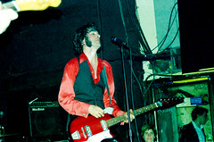 The Jon Spencer Blues Explosion by Edwina Hay (35 of 36) (eatsdirt) Tags: 35mm bustmagazine bustmagazinebenefit jonspencer jonspencerbluesexplosion judahbauer knittingfactory march2002 russellsimins thejonspencerbluesexplosion film scan