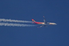 Hainan Airlines enroute Brussels-Peking B-8016 (wrblokzijl) Tags: hainanairlines hu492 chh492 bru brussels pek peking 32000ft airbus a330 airbusa330 b8016 plane telescope flugzeug vapourtrail overflight jetcontrail jet inflight highaltitude contrailspotting contrail aviation aviacion apeldoorn altitude airplane airliner aircraftcontrail aircraft 1428mm rnav