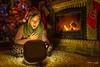 Sorpresa. (Antonio Camelo) Tags: nikon navidad christmas sorpresa surprise fire fireplace chimenea arbol tree