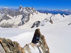 Panorama Vallée Blanche and Glacier du Géant. Mont Blanc Massif. Aiguille du Midi. (elsa11) Tags: chamonix montblancmassif grandesjorasses aiguilledumidi frenchalps swissalps italianalps montblanc valléeblanche glacierdugéant alps alpen mountains france frankrijk sneeuw snow gletscher gletsjer glacier thepipe