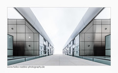 Promenade / esplanade (H. Roebke (offline for a while)) Tags: canon1635mmf28lisiii de canon5dmkiv building germany city gebäude 2017 farbe sparkasse hannover stadt architektur raschplatz color lightroom architecture