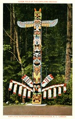 Capilano Suspension Bridge, Totem Pole, North Vancouver, BC (SwellMap) Tags: postcard vintage retro pc 30s 40s 50s 60s thirties forties sixties fifties roadside midcentury atomicage nostalgia americana advertising street car linen design style architecture building