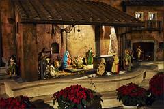 Die Heilige Nacht (Helmut Reichelt) Tags: krippe weihnachten spanischetreppe rom roma italien nikon d3 captureone8 colorefexpro4 nikkor35mmf2