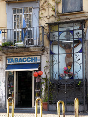 Italia Napoli snapshots 2017 (graeme37) Tags: italy naples napoli crucifix jesus cross tabac tobaccoshop
