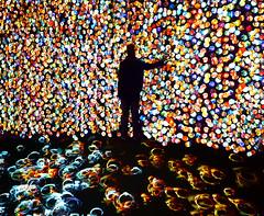 Tocando almas. / Touching  souls. (Oscar Martín Antón) Tags: ligthpainting luz light noche night surrealism surrealista onírico oneiric mente mind subconsciente subconscious conceptual creative creativo spain españa azul dream sueño alma soul danielcanogar sikkamagnum heaven paraíso purgatory purgatario color colour movil celullar caras faces