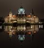 Neues Rathaus (Hannover) (Andreas Liwnskas) Tags: niedersachsen germany deutschland hannover rathaus neuesrathaus nachtaufnahmen natur night building maschteich outdoor andreasliwinskas architektur