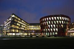 Lindholmen (magro_kr) Tags: göteborg goteborg goeteborg gothenburg szwecja sweden sverige västragötaland vastragotaland budynek architektura wieczór wieczor noc building architecture evening night