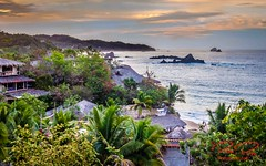 RomanLens. This crazy view (RoManLeNs) Tags: beachfront beach vacation sea water leisure travel traveldestinations peaceful enjoy life exploring explore waves cliff clouds skyline sky sunset daytime day light oaxaca mx trips dreamy dream dreamlike romrom rom romanlens
