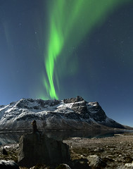 Behind you! (clement clement) Tags: auroras borealis aurore aurores boréales mountain tromso norway europe night astronomy astronomie stars long exposure green vertical bay rock girl standing looking watching fjord