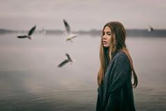 Free as Well (fehlfarben_bine) Tags: nikond800 sigmaart500mmf14 woman beauty seagulls lake mood atmosphere berlin bifbokeh expression portrait