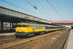 NS 1619 + IC  - Amersfoort (Rene_Potsdam) Tags: nederlandse spoorwegen railroad amersfoort 1600