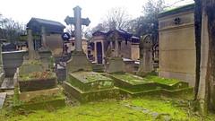 157-Paris décembre 2017 - cimetière du Père Lachaise (paspog) Tags: paris décembre 2017 france cimetière friedhof cemetery pèrelachaise cimetièredupèrelachaise