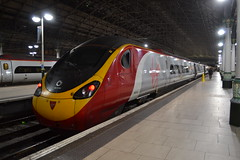 Virgin Trains Pendolino 390154 Matthew Flinders (Will Swain) Tags: manchester piccadilly station 15th november 2017 greater city centre north west train trains rail railway railways transport travel uk britain vehicle vehicles country england english virgin pendolino 390154 matthew flinders class 390 154