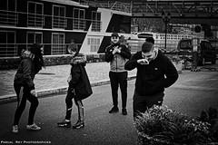 _DSC0957L_v1 (Pascal Rey Photographies) Tags: vienne monochrome blackwhite blancoynegro noirblanc noiretblanc schwarzundweiss schwarzweiss zwartwit jeunes djeuns youngsters dudes streetphotography inthestreets strasse rues via calle ciudad ville stadt pascalreyphotographies photographiecontemporaine photos photographie photography photographieurbaine photographienumérique photograffik photographiedigitale urbanphotography