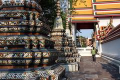 Wat Pho (mbphillips) Tags: ประเทศไทย กรุงเทพฯ watphrachettuphonwimonmangkhlaramratchaworamahawihan วัดพระเชตุพนวิมลมังคลารามราชวรมหาวิหาร fareast southeastasia 泰國 泰国 タイ 태국 asia アジア 아시아 亚洲 亞洲 mbphillips 佛教 불교 budismo temple templo 寺庙 buddhism buddha 寺廟 사찰 geotagged photojournalism photojournalist templeoftherecliningbuddha tailandia 방콕 buddhist travel thaïlande 캐논 canoneos450d canoneosrebelxsi canoneoskissx2 canon canon450d sigma18200mmf3563 sigma bangkok バンコク thailand thai