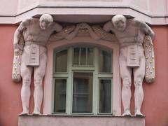 Clasped Hands - Art Nouveau (John of Witney) Tags: artnouveau jugendstil statue sculpture architecture prague praha czechrepublic