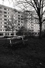 Bench and concrete (daniel.gogberg) Tags: fuji fujixpro2 xpro2 xpro fujifilm bw blackwhite blackandwhite monochrome sweden sverige sv svartvitt