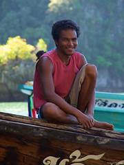 IMGP5527 Boatman (Claudio e Lucia Images around the world) Tags: thailand kohpanyi pentax pentaxk30 pentax18135 boatman smiling smilingmen men happyman