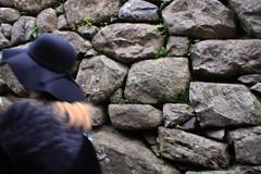 IMG_4208 (noemislee) Tags: peru cusco diciembre december 2017 noemi slee noemislee noemí tatiana vanessa ximena sánchez mendoza people portrait retrato personas machu picchu perú world wonder seven green ancient history hat sombrero blue rocks rocas