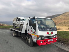 S29TOW Recovering A Smashed Up Ford Ranger (JAMES2039) Tags: tow towtruck truck lorry 4wheeler rear isuzu nqr s29tow flatbed ford cardiff rescue breakdown ask askrecovery recovery ranger brecon beacons a470 breconbeacons rtc rta