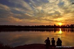 Entspannung am See (grafenhans) Tags: sony alpha 68 alpha68 a68 tamron 281750 heidesee see sonnenuntergang sonne gegenlicht wasser farben color grafenwald bottrop nrw natur