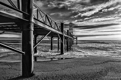 Port Leucate (Aude-France) (Shoot Enraw) Tags: france leverdesoleil aude 110160mmf28 ponton plage portleucate