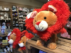 Hallmark store (f l a m i n g o) Tags: mall hallmark store cute gifts explore