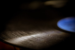 Disque Vinyl (Johnny.fr) Tags: disque vinyl disk sound son musique canon 650d sigma 105 dg ex os hsm vintage ancien old school